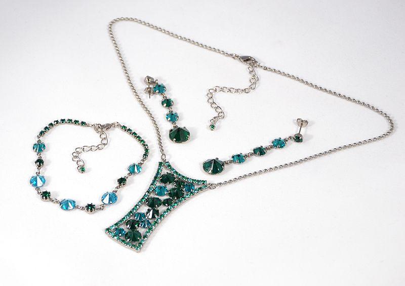 """""""Dáma"""" kristály ékszergarnitúra - smaragd és blue zirkon színű"""
