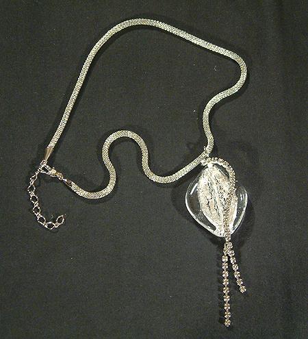 Alkalmi nyakék ezüst fóliás üvegmedállal