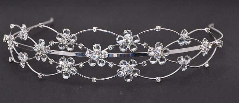 Csipkerózsika kristály tiara - 13 200 Ft