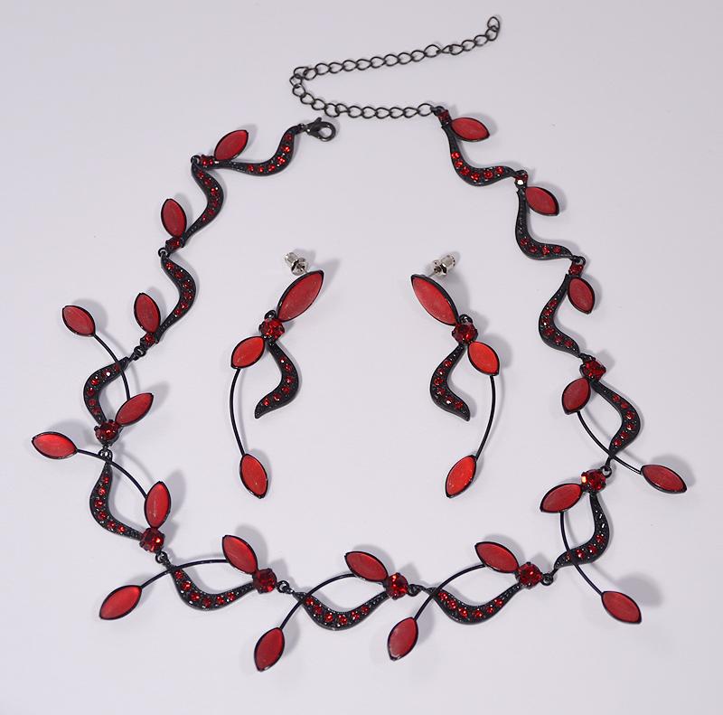Különleges kristály ékszerszett - vörös és fekete