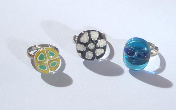 Egyedi üvegelemekkel díszített gyűrűk 3.