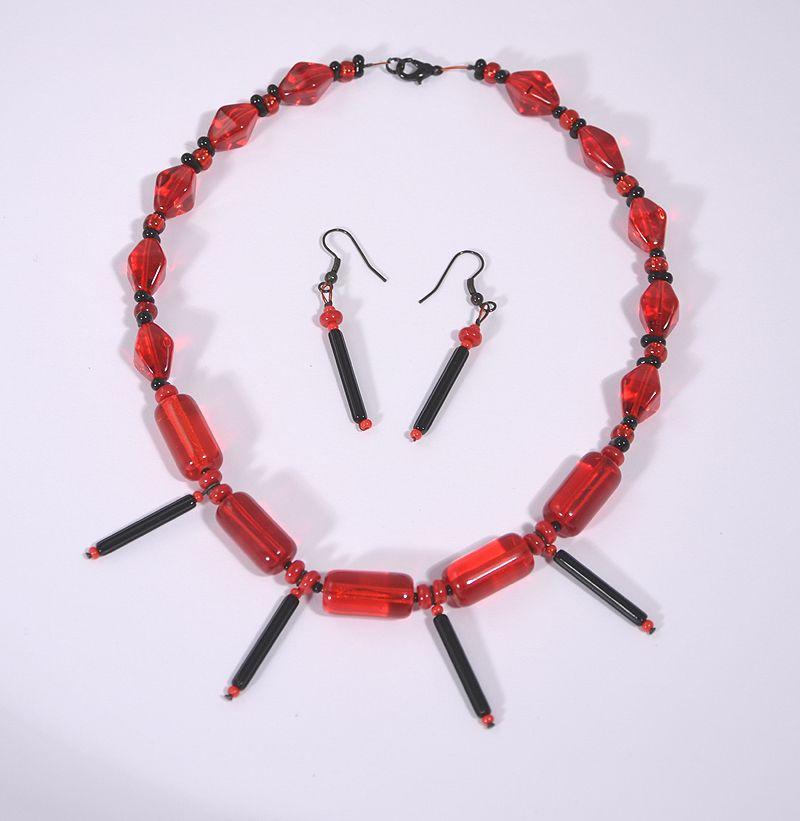 Bíborka nyaklánc fülbevalóval - 3000 Ft