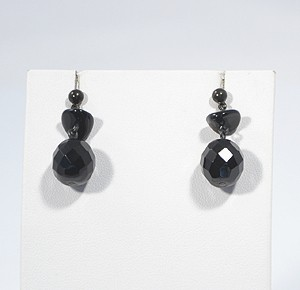Fekete bors fülbevaló - 1500 Ft