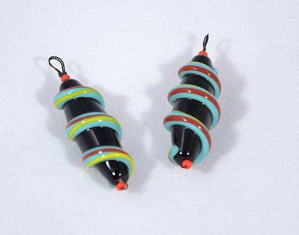 csiga-biga egyedi üvegmedál, piros, kék - 1500 Ft