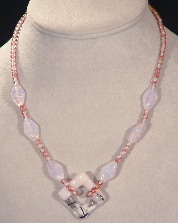 Magnolia nyaklánc