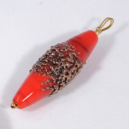 Piros üvegmedál - csillámmal