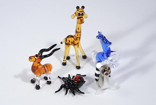 Miniatűr üvegfigurák