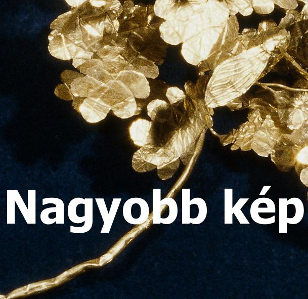 Koszorú arany levelekből