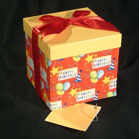Nagy díszdoboz - születésnap, 12 cm