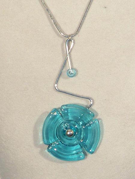 Nyaklánc - egyedi üvegmedállal, kék