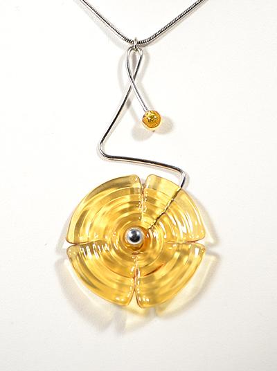 Nyaklánc - egyedi üvegmedállal, topáz