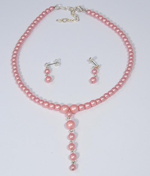 Buborék ékszerszett rózsaszín merített gyöngyökből