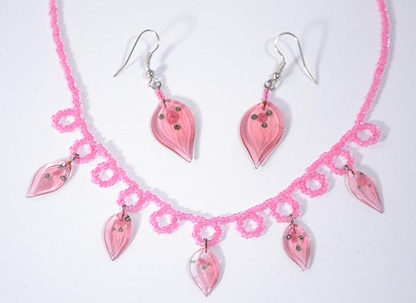 Rózsaszín üveg levélkék