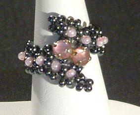 Gyűrű üveggyöngyökből 4.