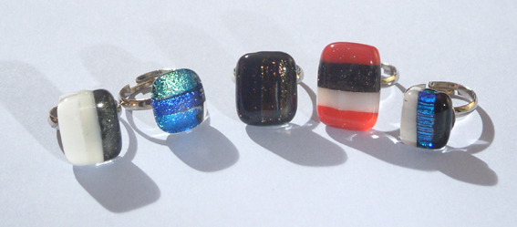 Egyedi üvegelemekkel díszített gyűrűk 2.
