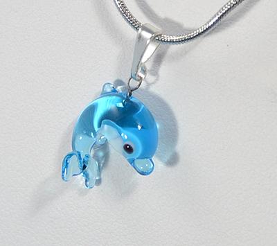 Delfin egyedi üvegmedál