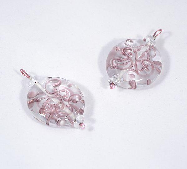 Kacskaringós üvegmedál, rózsaszín - 2000 Ft