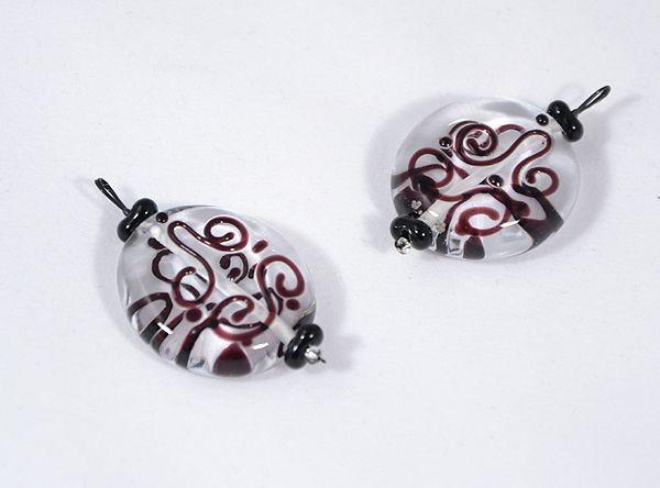 Kacskaringós üvegmedál,  fekete - 2000 Ft
