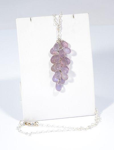 Üvegszőlő nyaklánc, matt lila - 1500 Ft