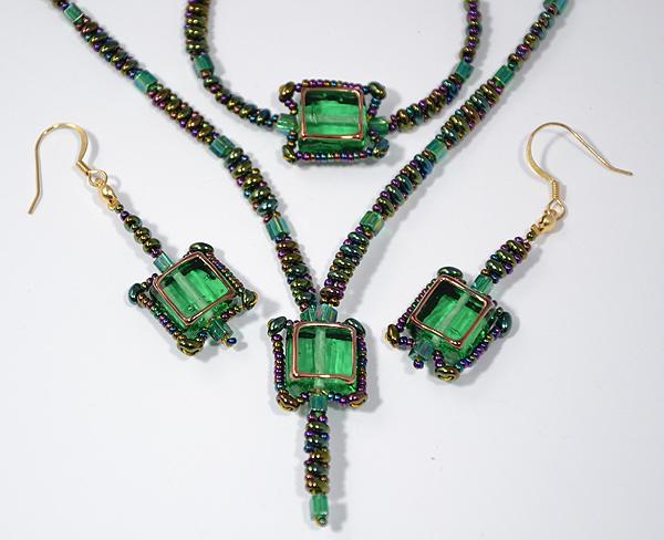 Cubico egyedi zöld színű üveg ékszer szett